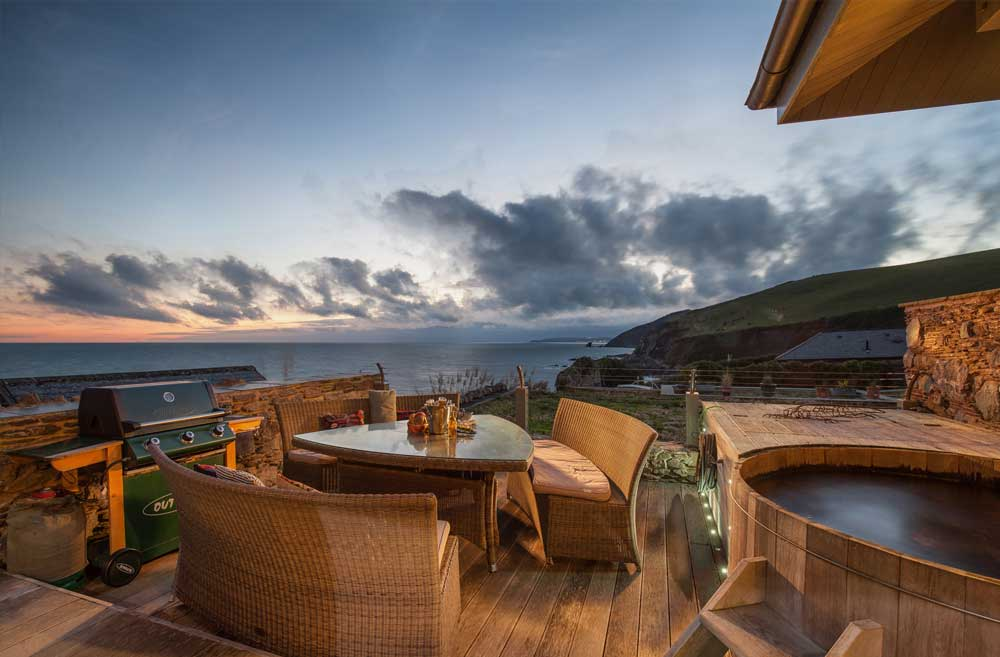 Luxury Cornwall Beach House with Hot Tub